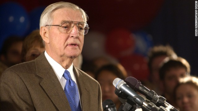 Walter Mondale undergoes heart surgery