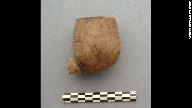The bowl of a pipe belonging to Confederate sailor Joseph Ridgaway, the only crew member positively identified through DNA.