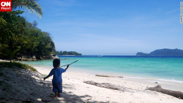 This little guy has the right idea. Last year, <a href='http://ireport.cnn.com/docs/DOC-1078386'>Joyce Xu </a>visited Malaysia's Sapi Island, where she encountered the most beautiful beach she had ever seen.