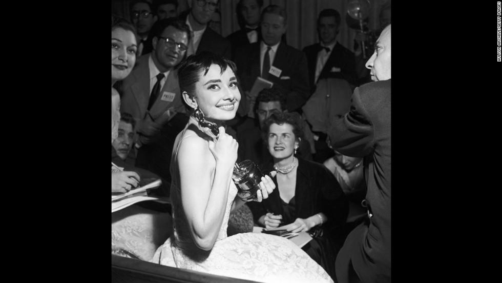 Audrey Hepburn (1954)