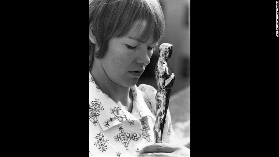 Glenda Jackson (1971)