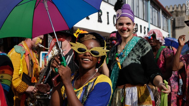 Sauti za Busara included a street carnival parade on the opening day, professional networking forum, and screenings of award-winning African music feature films.