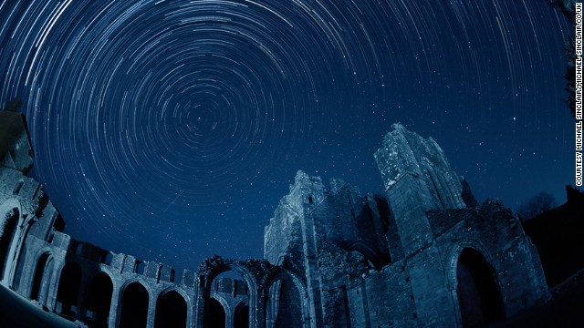 Stargazers in the UK can enjoy the silhouette of the Llanthony Priory against the starry sky. The ruins have partly been <a href='http://www.llanthonyprioryhotel.co.uk/' target='_blank'>converted into a pub</a>. After a night of hard sky observation, you can step into the former Augustinian priory for an authentic Welsh ale.