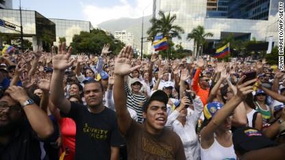 Un joven de 17 años, la última víctima de las protestas en Venezuela