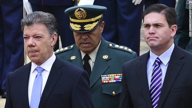 Santos releva al comandante de las Fuerzas Militares tras escándalo de corrupción