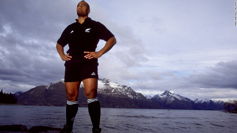 the life of the greatest rugby player of all time jonah lomu Jonah lomu was a giant in more ways than one  the news that one of the  sport's greatest players, jonah lomu, had passed away,  lomus rugby history   soon as possible, or he was likely to end up in a wheelchair for the rest of his  life.