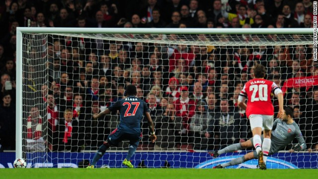 Momentum also swung in Bayern Munich's favor after Arsenal goalkeeper Wojciech Szczesny was sent off for a foul on Arjen Robben, although David Alaba missed the resulting spot kick.