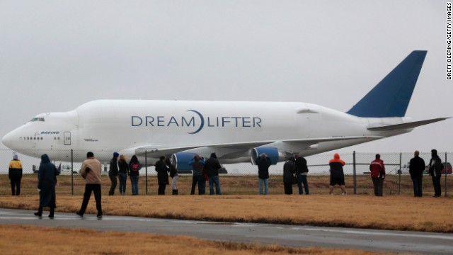 In 2013, a Dreamlifter carrying a 787 fuselage landed without incident at the wrong airport in Wichita, Kansas, on a runway a half mile shorter than it usually uses. Despite the shorter runway, the Dreamlifter was able to resume its journey the following day.