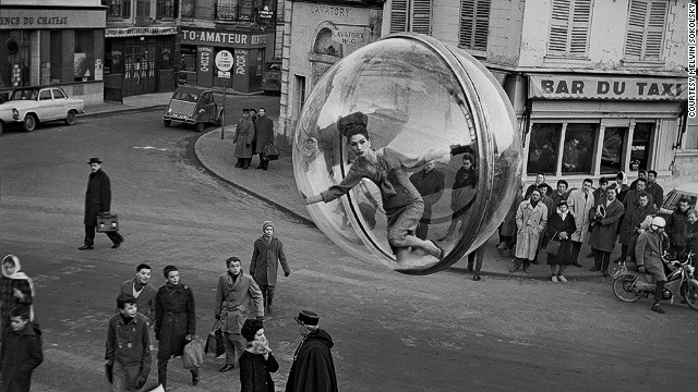 Several of the frames feature bystanders looking in awe at the strange sight of the hovering orb, which Sokolsky worked into strong compositions.
