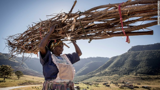 Most South Africans use wood, rather than gas, to braai.