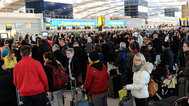 Airports are starting to use iBeacon technology to ease overcrowding.