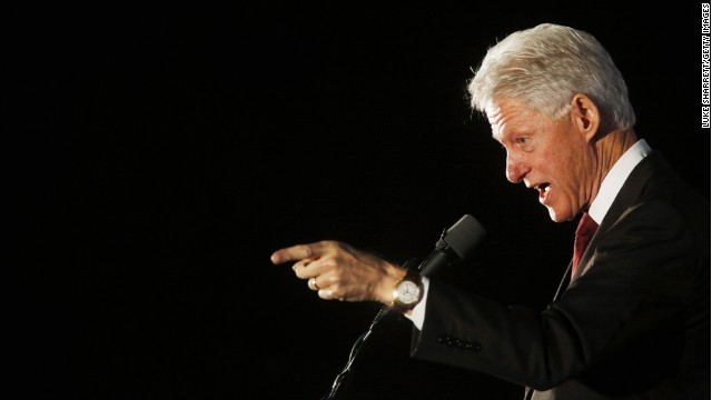 Bill Clinton plays professor, blasts media in Georgetown speech