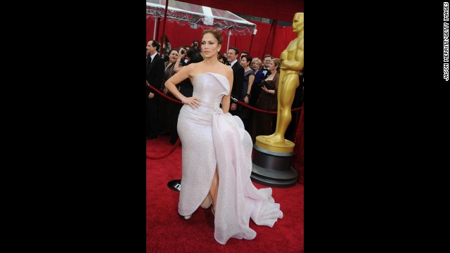 Do you think Jennifer Lopez noticed that there was an unnecessary monster ruffle attacking her otherwise acceptable dress at the 2010 Oscars? Or was she just choosing to ignore it?