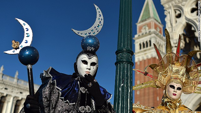 Contestants can compete as individuals or in groups, as in this sun and moon pairing. German designers have taken the title on several occasions in recent years, but in 2013 the contest was won by an <a href='http://www.direttanews.it/2013/02/27/carnevale-di-venezia-2013-la-maschera-di-anna-marconi-vince-con-la-ricerca-del-tempo-perduto/' target='_blank'>Italian toymaker</a>.
