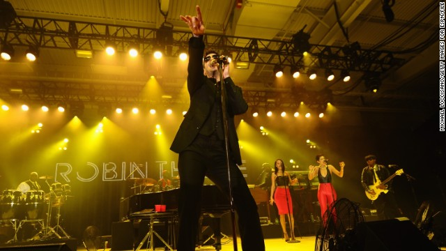 Robin Thicke breaks silence after split