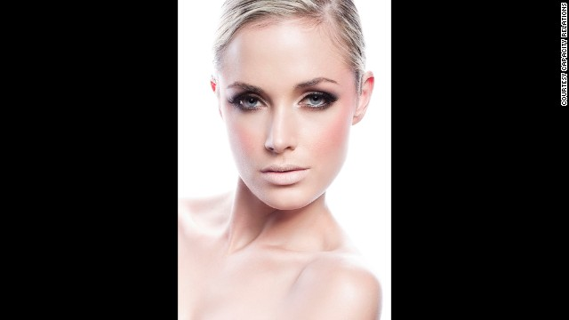Steenkamp served as a presenter for FashionTV in South Africa. She was also an FHM cover girl and the face of cosmetics company Avon.