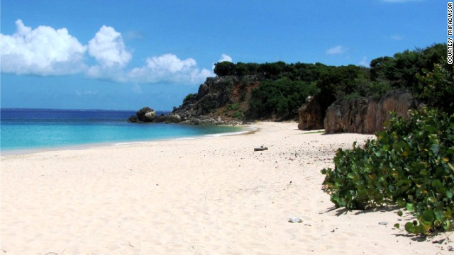 On the Dutch/French island of Sint Maarten/Saint-Martin, the getaway would run about $5,566.