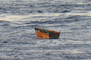 Rescatan cubanos en altamar