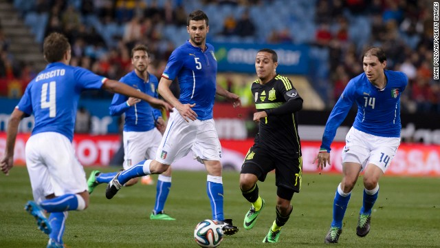 Pedro scored the only goal of the game as Spain defeated Italy 1-0 in a closely fought contest in Madrid.
