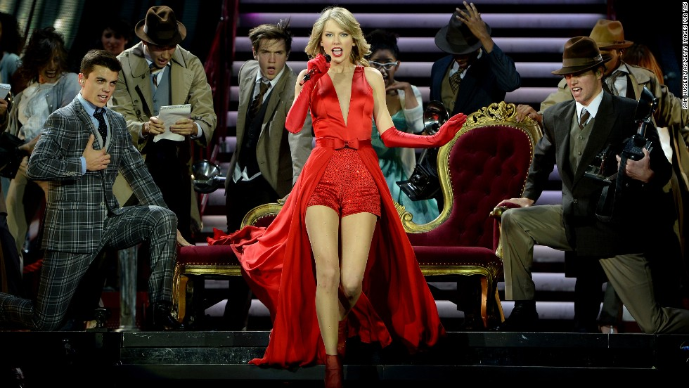 Billboard's list of the highest-paid musicians arrived in March, and it's no shocker that seven-time Grammy winner Taylor Swift is sitting pretty. She comes in at No. 1 with $39,699,575.60 for 2013. <a href='http://www.billboard.com/articles/list/5930326/music-s-top-40-money-makers-2014-the-rich-list#methodology' target='_blank'> According to Billboard</a>, it forms the list by ranking the artist's U.S. earnings, which are calculated from touring, recorded-music sales, publishing royalties and revenue from digital music and video streaming. Here are the rest of the Top 10.