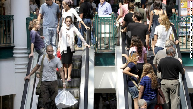 <strong>Escalator railings</strong><!-- --> </br><!-- --> </br>People usually find out early on if they're <a href='http://www.webmd.com/allergies/tc/allergy-to-natural-rubber-latex-topic-overview' target='_blank'>allergic to natural rubber, or latex</a>, because it's found in so many products. They learn to avoid rubber gloves and latex condoms. But even the most cautious patient can forget about rubber they may be touching in their environment. Zirwas has seen <a href='http://www.ncbi.nlm.nih.gov/pubmed/16426295' target='_blank'>patients with dermatitis</a> on their hands from hanging on to escalator railings and on their feet thanks to rubber in their shoes.