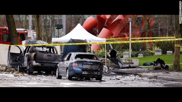 News helicopter crashes in Seattle