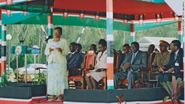 Gikonyo giving her speech during the official launch of The Karen Hospital in 2006.