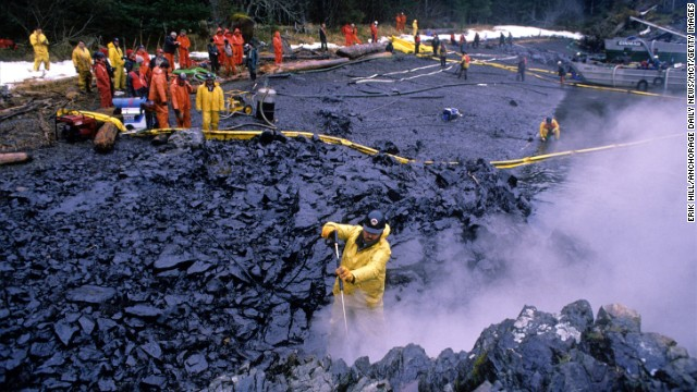 the effects of the exxon valdez oil spill A 2009 report by the exxon valdez oil spill trustee council found that the 1989  accident  the impact on the fishing industry is still being felt.