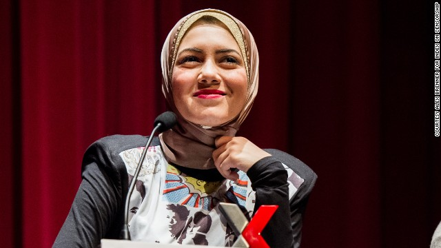 The young singer, who uses her music to highlight the obstacles women face in Egypt, won the Arts category at the 2014 Index Freedom of Expression Awards in London on March 20.