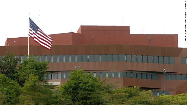 Embajada de EE.UU. en Caracas suspende citas para visas de turista