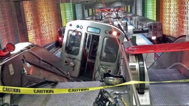 30 heridos en descarrilamiento de un tren en el aeropuerto de Chicago