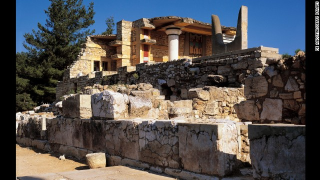 Knossos was the center of the Minoan civilization, a powerful Bronze Age culture that flourished between about 3000 B.C. and 1400 B.C., in what is now Greece.