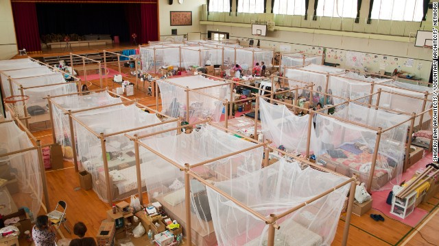 Following the 1995 earthquake in Kobe, Japan, Ban developed a paper partition system to give displaced people a degree of privacy in their temporary accommodation. Ban created the partitions above following the 2011 earthquake and tsunami in Fukushima.