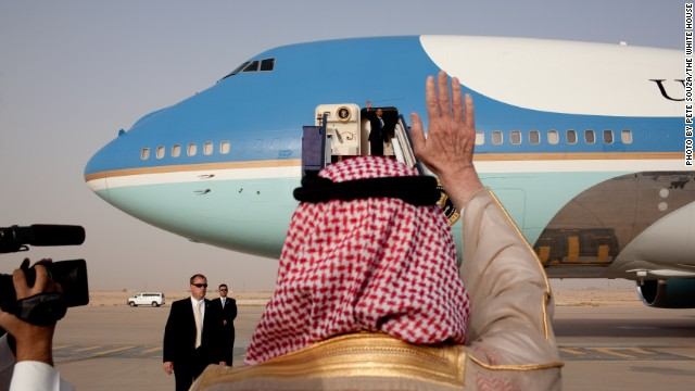 White House, others decry Saudi move to deny reporter for Israeli paper on Obama trip