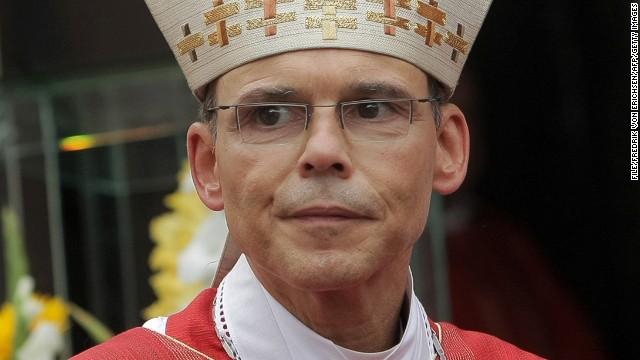 """El Papa acepta la renuncia del """"obispo del lujo"""""""