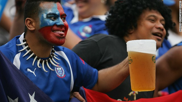 This guy looks like he knows a thing or two about how to enjoy the Sevens. Big beers allow you to spend less time in line and more time watching the action on the field.