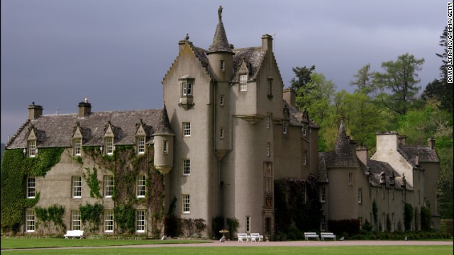 Ballindalloch Castle, in the heart of one of Scotland's whisky regions, is one of the few castles in the country that remains private.<!-- --> </br>
