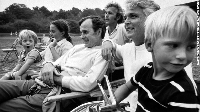 Bush sits with members of his family in 1971. That year, President Richard Nixon appointed Bush ambassador to the United Nations.