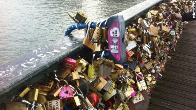 The combined weight of the locks on Pont des Arts is estimated at 93 metric tons -- equivalent to 20 elephants.