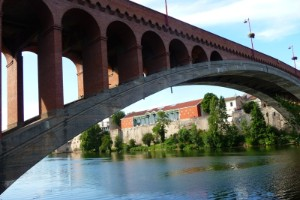 Puente en arco más largo
