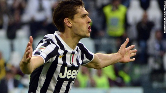 Fernando Llorente scored both goals as Juventus defeated Livorno 2-0.