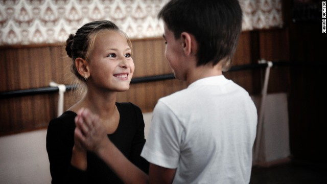 Children dance together during the lesson.