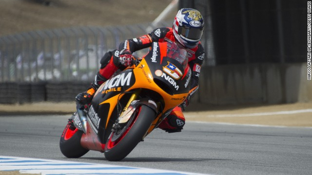 Colin Edwards has announced that he is to bring an end to his 22-year motorbike racing career at the end of 2014.