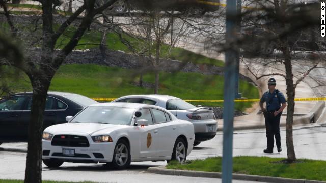 Tres personas mueren en un tiroteo en un centro judío de Kansas