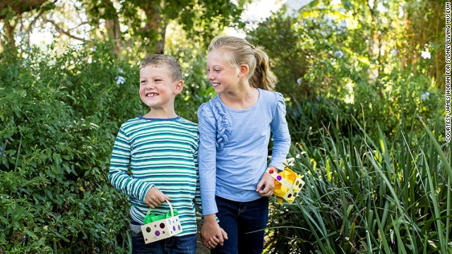 This hunt takes place around the beautiful Vaucluse House, one of Sydney's last remaining 19th-century mansions. Kids design their own baskets.