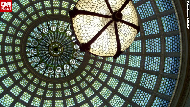 The <a href='http://www.cityofchicago.org/city/en/depts/dca/supp_info/chicago_culturalcenter-generalinformation.html' target='_blank'>Chicago Cultural Center</a> is home to the world's largest stained glass Tiffany dome; there are 30,000 pieces of glass covering the dome's 38-foot diameter.