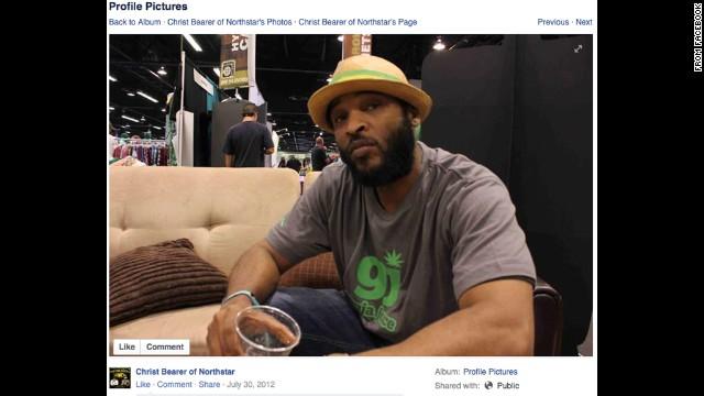 El rapero Andre Johnson se corta el pene y salta de un edificio, pero sobrevive