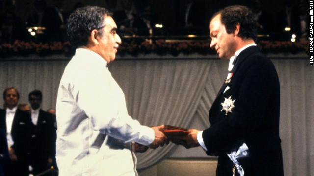 King Carl Gustaf of Sweden, right, presents García Márquez with the Nobel Prize in Literature on December 10, 1982.
