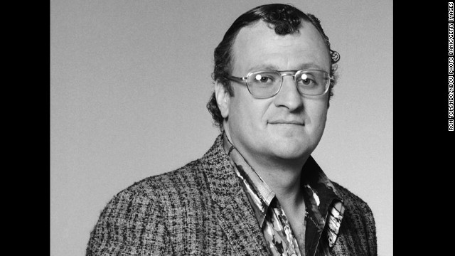 "Peter Jurasik kept his hair as slick as his persona as Sid ""the Snitch"" Thurston in ""Hill Street Blues,"" frequent purveyor of information to Norm Buntz."