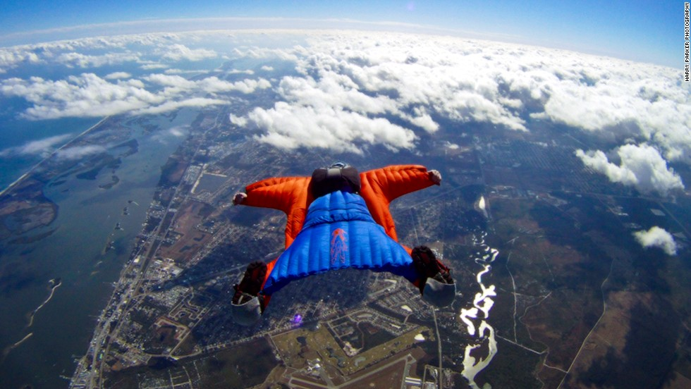 "<i>Is it a bird? Is it a plane? Actually, it's a bit of both. </i><!-- --> </br> <!-- --> </br>Wingsuits fly for the same reason jets take off and eagles soar.<!-- --> </br> <!-- --> </br>The suits turn the human body into an ""airfoil"" -- a curved wing that produces lift by allowing air to flow faster over the wing than under it.<!-- --> </br> <!-- --> </br>Skydiving photographer <a href='http://www.theharryparker.com/' target='_blank'>Harry Parker</a> caught these incredible images of wingsuiter Rip Cord in action over Sebastian, Florida. And we asked skydiving pioneer Tony Uragallo, founder of <a href='http://www.tonywingsuits.com/index.html' target='_blank'>TonySuits</a>, to tell us more about how today's wingsuits fly.<!-- --> </br><!-- --> </br><i>[All photos: Courtesy </i><i><a href='http://www.theharryparker.com/' target='_blank'>Harry Parker Photography</a></i><i>]</i>"